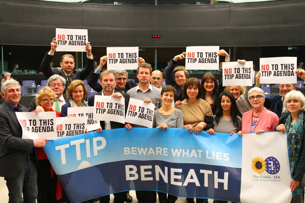 Green MEPs support protests against TTIP in Brussels